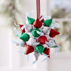 45 Easy DIY Dollar Store Christmas Decorations for Decorating on a Budget - The Trending House Christmas Candy Crafts, Christmas Kiss, Dollar Store Christmas, Christmas Chocolate, Homemade Christmas Gifts, Diy Christmas Tree, Christmas Countdown, Christmas Projects, Holiday Crafts