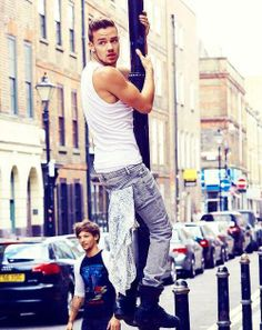 Liam your daddy direction!!! AIN'T NO DADDY DIRECTION GONNA POLE DANCE!!!!!!!!!! Hehe put you still are hot!:)