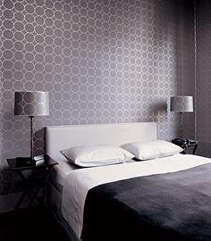 Спальня парижской квартиры дизайнера Джеральда Шморля