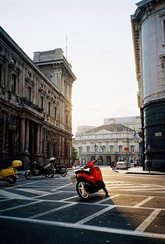F1020035 by Tiago S Costa, via Flickr