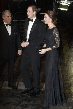 Kate Middleton, enceinte de quatre mois, et le prince William assistaient le 13 novembre 2014,...