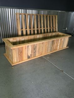 Planter box made from pallets