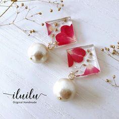 Resin earrings Diy Resin Art, Diy Resin Crafts, Uv Resin, Jewelry Crafts, Handmade Jewelry, Diy Resin Earrings, Resin Jewelry Making, New Jewellery Design, Resin Flowers
