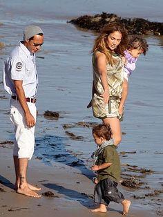 designer baby clothes: a peek into the world of a petite fashionista. Designer Baby Clothes, Ashley Olsen, Celebrity Babies, Celebs, Celebrities, Baby Design, Jennifer Lopez, Baby Kids, Twins