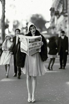 This is NOT a 1920's photo of a flapper. It's a recent photo shoot by Esther Hasse. Please stop tagging it as a vintage photo!  http://estherhaase.com/work/editorial/madame-figaro-the-artist/  #1920s #flapper #historical  NOT VINTAGE Paris in the '20s (via @HistoricalPics)