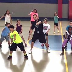 These Kids Are Whipping and Nae Naeing Their Way to Health Thanks to a Fun Gym Teacher