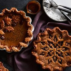 Williams Sonoma is the perfect resource for Thanksgiving cooking. Find Thanksgiving essentials, including recipes, cookware, decor, and dinnerware. Thanksgiving Cakes, Thanksgiving Decorations, Pumpkin Butter, Pumpkin Spice, Autumn Tea, Butter Pie, Fabulous Foods, Creative Cakes, Yummy Treats
