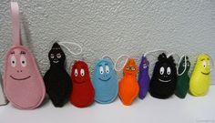 Barbapapa family in felt Felt Diy, Felt Hearts, Softies, Funny Kids, Fabric Crafts, Illustrators, Party Themes, Needlework, Sewing Projects