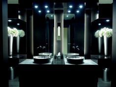 amazing bathroom lighting design ideas | This is the ideal lighting idea for a stylish and modern bathroom. To use miror lights is not only a smart idea, but also works as a delightful decorative piece.