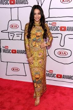 #VanessaHudgens steps out at the YouTube Music Awards 2013 at #Pier36 on November 3, 2013 in New York City  http://celebhotspots.com/hotspot/?hotspotid=30605&next=1