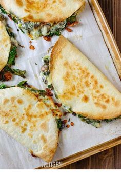 Baked Spinach Mushroom Quesadillas ~ These are crispy, delicious, and chock full of nutrition. And baking these quesadillas allows you to make many at once, so you can feed your hungry family quickly and easily!     ** CLICK PIN TO LEARN MORE! ** | Vegetarian | Vegetarian Recipes | Vegetarian Meals  | Vegetarian Recipes Dinner | Vegetarian Meal Prep | Vegetarian Dinner | Vegetarian Recipes Healthy | Vegetarian Recipes Easy | Vegetarian Recipes High Protein  | #masakanibuku