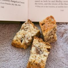 Banting Buttermilk Rusk Recipe with sunflower seeds, pumpkin seeds, almond flour and coconut. Low carb and sugar free recipe. Buttermilk Rusks, Banting, Lchf, Rusk Recipe, Ditch The Carbs, Sugar Free Recipes, Rice Flour, Almond Flour, Fun Desserts