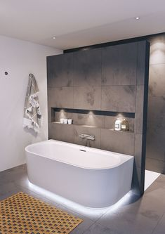 A free-standing bath fits in every bathroom Mineralquelle bathroom A eve .- Eine freistehende Wanne passt in jedes Badezimmer Mineralquelle bathroom A eve… A free-standing bath fits in every bathroom … - Spa Bathroom Design, Minimalist Bathroom Design, Bathroom Spa, Bathroom Cabinets, Bathroom Modern, Bath Design, Bathroom Mirrors, Bathroom Faucets, White Bathroom