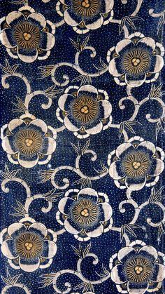 Gorgeous pattern...love the rich indigo blue.