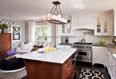 Such a cute small kitchen!