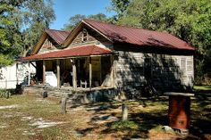 Ludowici GA Long County Vernacular Architecture Oddity One Plus One Half Shotgun House Rusted Tin Roof Pictures Photo Copyright Brian Brown Vanishing South Georgia USA 2011