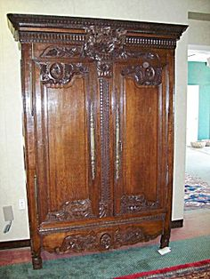 Rare Hepplewhite Serpentine Corner Cupboard