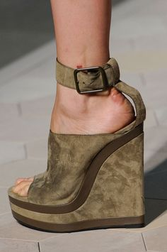 Best in Shoe: See Over 450 Perfect Pairs From the Spring '13 Runways: Loewe