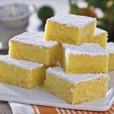Läckra citrusrutor i långpanna No Bake Desserts, Delicious Desserts, Dessert Recipes, Yummy Food, Bakery Recipes, Cookie Recipes, Bake Boss, Bake My Cake, Grandma Cookies