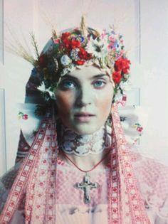 Stylist: Susan Winget. Make up: Regina Harris