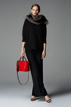 Discover the Collection All Black Fashion, Winter Fashion, Fashion Looks, Ch Carolina Herrera, Carolina Herera, Street Style 2018, Stunning Dresses, Couture Collection, Passion For Fashion