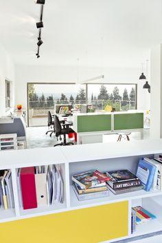 Studio dulu's office in Israel