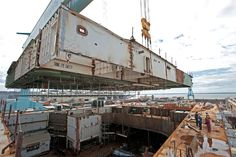 Building Bigger - Lifting Larger Superlifts Into the Dry Dock - The Ford Class. -***See fella's sometimes size rally does matter #BeyondCool - Brandon