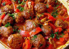 Lekcje w kuchni: Klopsiki w sosie paprykowo-pieczarkowym