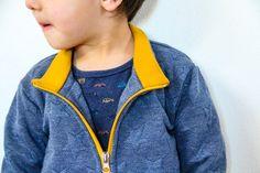 Jak ušít dětskou mikinu na zip - návod (FOREST) - Prošikulky. Bomber Jacket, Zip, Sewing, Jackets, Fashion, Down Jackets, Moda, Dressmaking, Couture