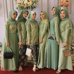 Kebaya Muslim, Kebaya Hijab, Dress Muslim Modern, Kebaya Modern Dress, Hijab Dress Party, Hijab Style Dress, Hijab Fashion Summer, Fashion Outfits, Hijab Stile