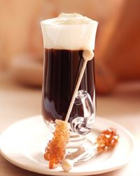 How to Make an Irish Coffee. Irish coffee is a great hot drink to warm you up on the cold winter nights. Warm Cocktails, Coffee Cocktails, I Love Coffee, Coffee Break, Real Coffee, Hot Coffee, Monte Cristo Coffee, Spanish Coffee, Irish Coffee