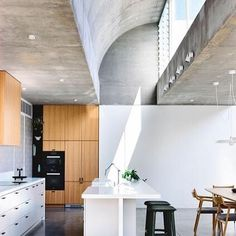 d8mart.com Light Filled House in Melbourne, Australia.⠀Architect:… #contemporary #modern #architecturephotography #lux Mens Style