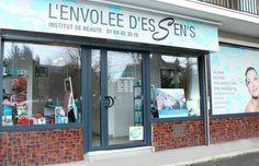 L'ENVOLEE D'ESSEN'S / Une fraîcheur marine souffle sur Brunoy, grâce à cet institut de beauté aux couleurs aquatiques.