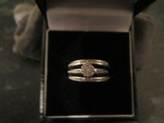**REDUCED** 9 Ct WHITE GOLD WEDDING RING BRIDAL SET SIZE L for sale