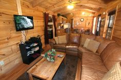 A Payton Place -- This pet friendly cabin has secured gates to allow your pet to roam the deck and enjoy the outdoors