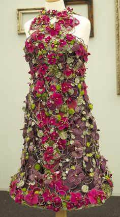 RHS Chelsea Flower Show - Vicky Rymell of Hubbards Florist