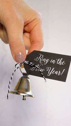 Ring in the New Year printables new years eve ideas and new years eve party inspiration and decor, celebrate 2019 New Years Wedding, New Years Eve Weddings, New Years Party, New Years Eve Party Ideas For Adults, New Year's Eve Celebrations, New Year Celebration, New Year Printables, Free Printables, Printable Tags