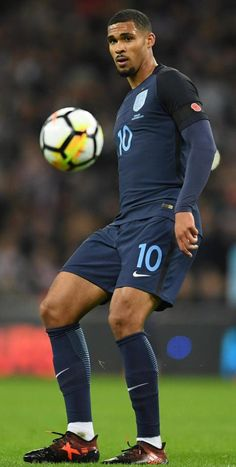Ruben Loftus-Cheek was man of the match on his England debut Gorgeous Black Men, Handsome Black Men, Pretty Men, Cute Black Boys, Hot Black Guys, Hot Guys, Ruben Loftus Cheek, Dark Skin Men, Soccer Guys