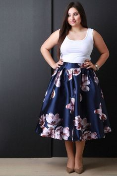 27 Plus Size Skirts Inspiring Ideas. Womens Plus size dress, clothes. Plus size outfit cute patterns inspiration. Womens plus size fashion. Xl Mode, Mode Plus, Mode Outfits, Skirt Outfits, Dress Skirt, Pleated Skirt, Plus Size Chic, Looks Plus Size, Curvy Girl Fashion