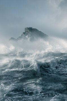 Marine (by David Baker) I love the weather on the ocean so pretty and yet so fierce at time Ocean Storm, Nature Sauvage, Stormy Sea, All Nature, Sea Waves, Sea And Ocean, Ciel, Beautiful World, Mother Nature