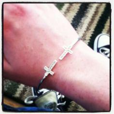 Bracelet for Christmas! #crosses / http://www.contactchristians.com/?p=8097
