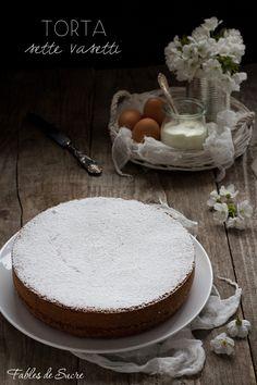 La torta sette vasetti prende il nome dal vasetto di yogurt che si userà come unità di misura per tutti gli ingredienti. Facile, soffice e umida.