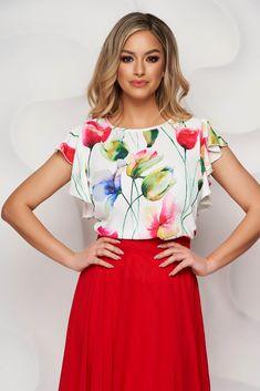 Bluza StarShinerS vaporoasa, cu volanase si decolteu rotunjit. Este confectionata din material neelastic, opac. O bluza perfecta pentru sezonul primavara-vara, vesela, de asortat cu o fusta tip creion, in clos, sau cu pantaloni evazati sau pana. Floral, Dresses, Fashion, Vestidos, Moda, Fashion Styles, Flowers, Dress, Fashion Illustrations