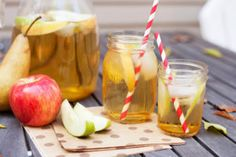 Awesomely Autumn Cocktails: Apple Sangria - If lush, fruity sangria is your summer sipper of choice, consider adapting that hot-weather standby to a suitably autumnal apple-based version. Cider Tasting, Apple Cider Sangria, Fun Party Themes, Fall Cocktails, Fall Scents, Best Blogs, Party Entertainment, Pumpkin Decorating, Home Brewing