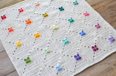 UPDATE: Courtney from AFwifeCrochetNut has given me permission to use her most beautiful photos for this pattern. Thank you Courtney. For more information on her joining method and progress, check out her project and swoon.