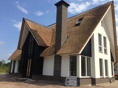 strak rieten dak, modern landelijk rieten dak, modern rieten dak, modern landelijke villa, modern landelijke woning met riet