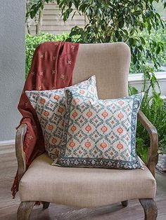 Wild Poppies Complimentary Throw Cushion Cover : An allover graphic featuring a sage blue-green circular trellis leaf pattern, framing alternating poppy head or bud in deep orange Couple Bedroom, Small Room Bedroom, Bedroom Ideas, Indian Bedroom, Floral Throws, Wild Poppies, Outdoor Furniture Plans, Man Room, Decorative Cushions