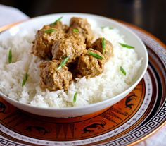 Thai Curry Coconut Meatballs - great as  a dinner, OR as an appetizer. Crockpot friendly!