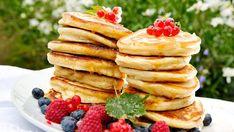 Egg, pannekaker og lettvint bakst - deilige valg til nyttårsfrokosten - Godt.no - Finn noe godt å spise Baked Pancakes, Breakfast Pancakes, Pancakes And Waffles, Cake Recipes, Dessert Recipes, Desserts, Breakfast In America, Food For The Gods, Scandinavian Food