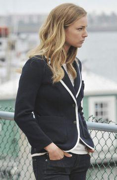 Emily's black blazer with white contrast Jacket: 'Bromley' blazer by Rag & Bone 125$
